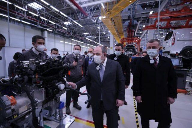 Sanayi Bakanı Varank Ford'un Kocaeli Fabrikasını Ziyaret Etti